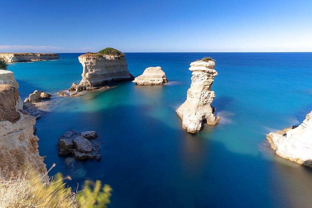 Faraglioni (limestone stacks) of Torre Sant'Andrea in the crystal sea, Lecce province, Salento, Apulia, Italy, Europe - 1179-4978