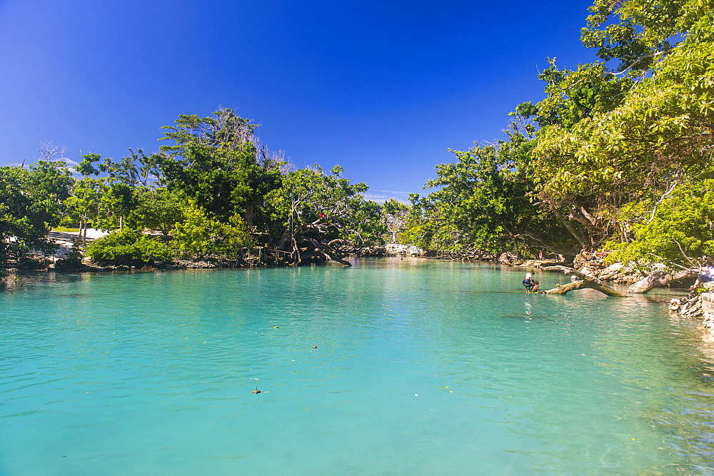 Turquoise waters in the blue lagoon ,Efate, Vanuatu