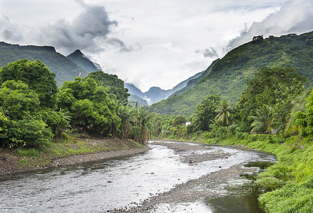 Paea river with dramatic mountains in the background, Tahiti, French Polynesia