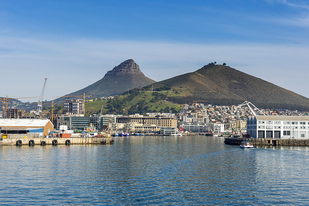 Skyline of Cape town with the lions head in the background , South Africa