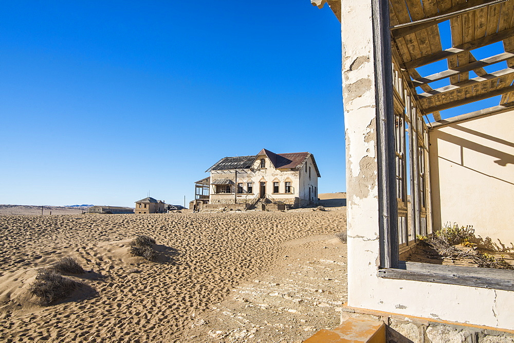 Colonial house, old diamond ghost town, Kolmanskop (Coleman's Hill), near Luderitz, Namibia, Africa