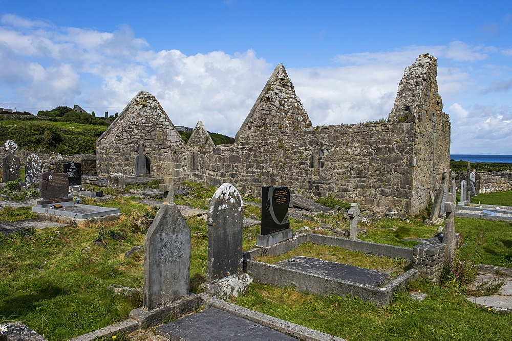 Na Seacht dTeampaill, early Christian church ruins, Arainn, Aaran Islands, Republic of Ireland, Europe