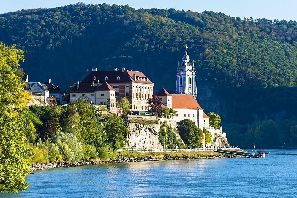View over Durnstein on the Danube, Wachau, UNESCO World Heritage Site, Austria, Europe