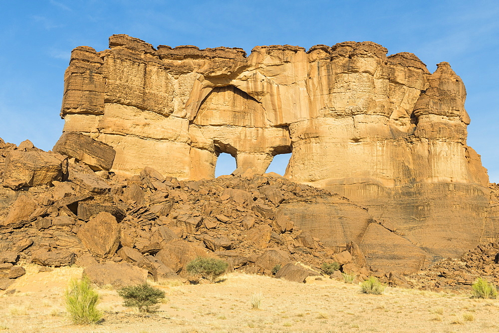 The window rock arch on the Ennedi Plateau, UNESCO World Heritage Site, Ennedi region, Chad, Africa