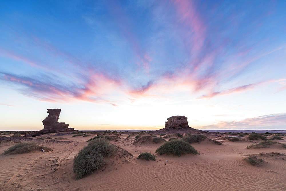 Sunset in the Sahara Desert near Timimoun, western Algeria, North Africa, Africa