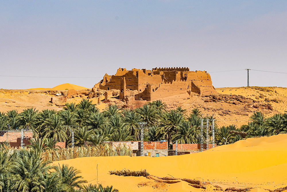 Old ksar, old town in the desert, near Timimoun, western Algeria, North Africa, Africa