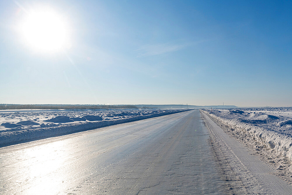 Ice road on the frozen Lena river, Road of Bones, Sakha Republic, Yakutia, Russia - 1184-3781