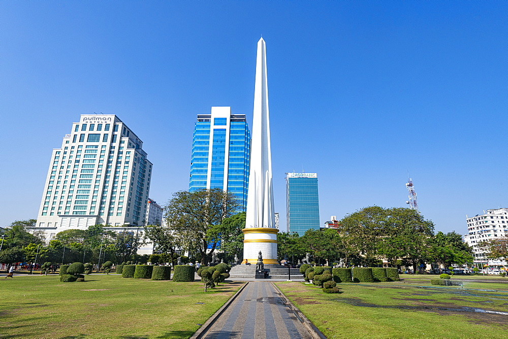 Obelisk in the Mahabandoola Garden, downtown Yangon (Rangoon), Myanmar (Burma), Asia