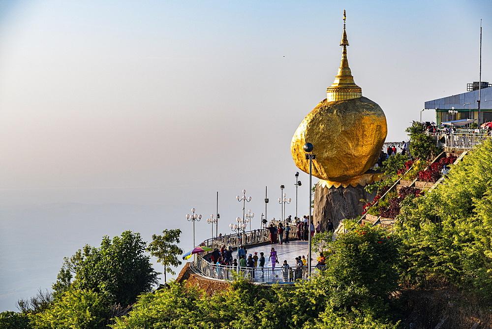 Kyaiktiyo Pagoda (Golden Rock), Mon state, Myanmar (Burma), Asia
