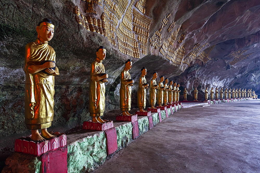 Cave filled with buddhas, Saddan Cave, Hpa-An, Kayin state, Myanmar (Burma), Asia