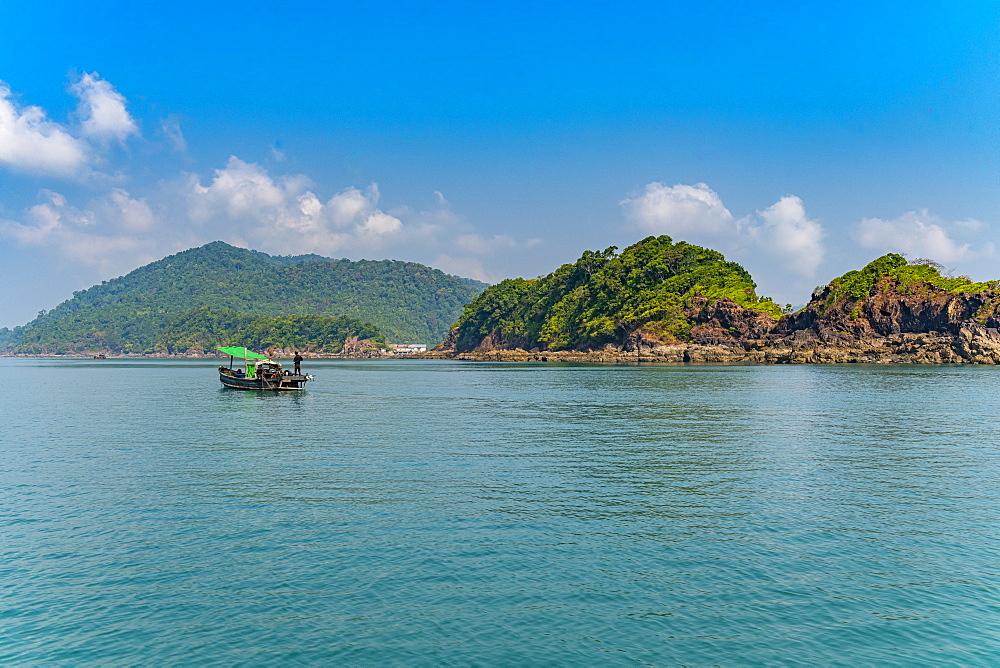 Small islands in the Mergui (Myeik) Archipelago, Myanmar (Burma), Asia