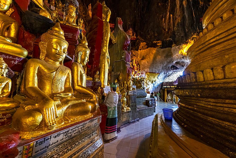 Golden Buddha statues, Pindaya cave, Pindaya, Shan state, Myanmar (Burma), Asia