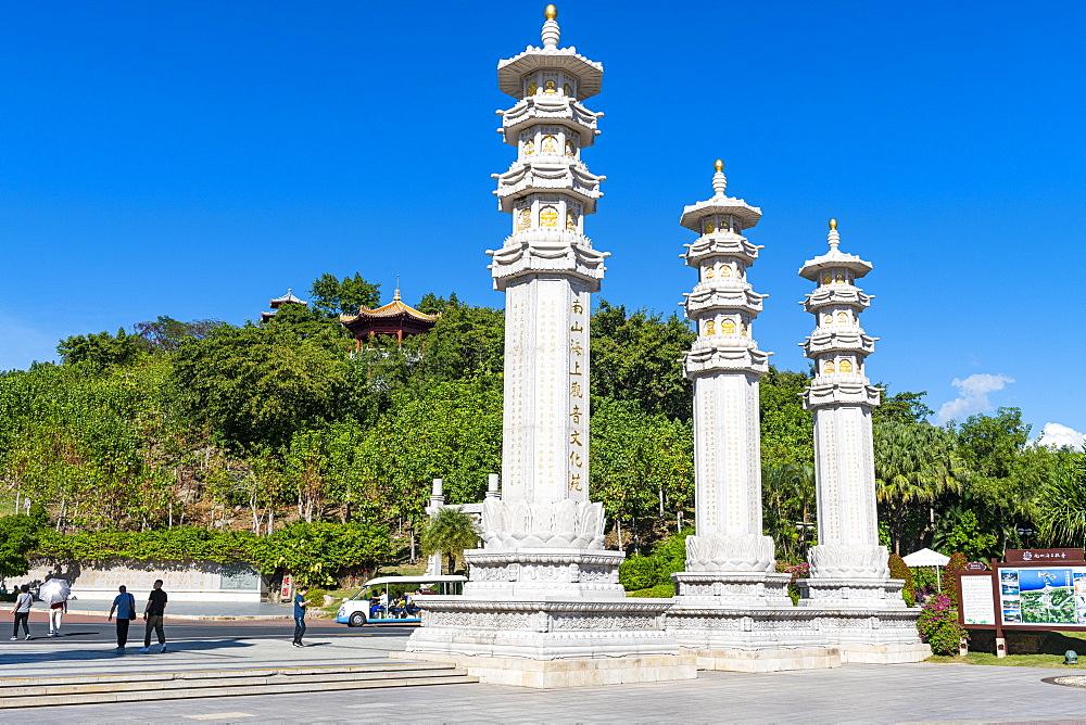 Huge pillars, Nanshan Temple, Sanya, Hainan, China, Asia