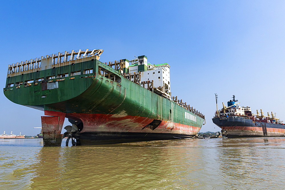 Huge container ships ready to getting break up, Chittagong Ship Breaking Yard, Chittagong, Bangladesh