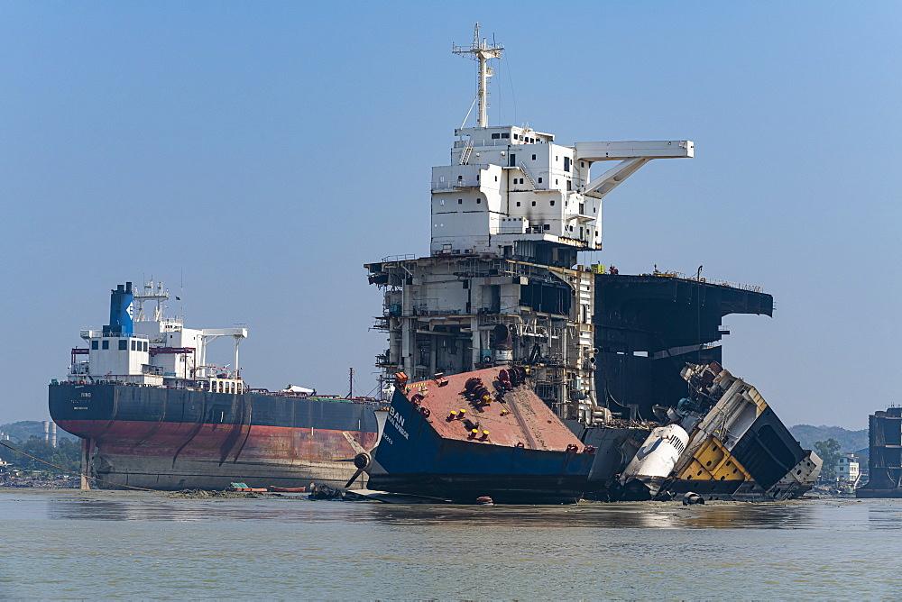 Huge container ships ready to be broken up, Chittagong Ship Breaking Yard, Chittagong, Bangladesh, Asia