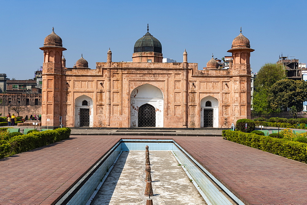 Tomb of Bibi Pari, Lalbagh Fort (also Fort Aurangabad), Dhaka, Bangladesh