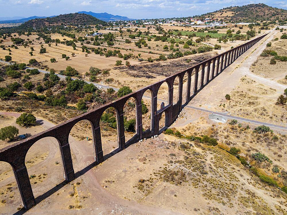 Aerial of the Unesco site, Aqueduct of Padre Tembleque, Mexico state, Mexico - 1184-5500