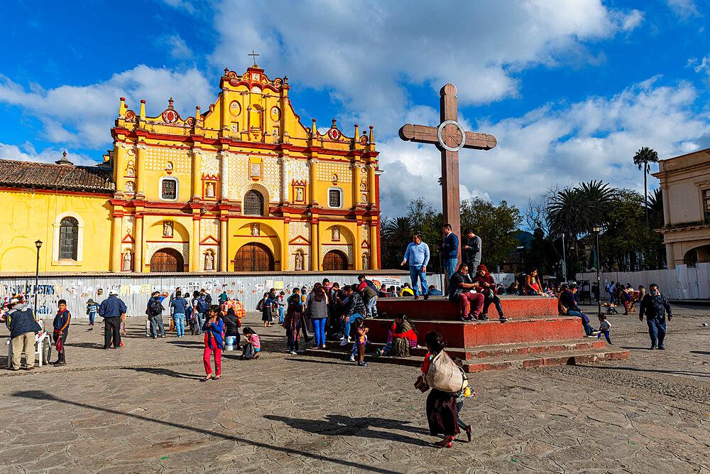 Cathedral of San Cristobal de la Casas, Chiapas, Mexico, North America - 1184-5515