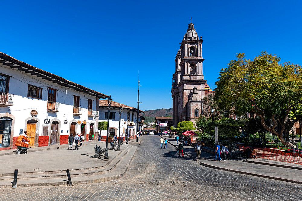 Parroquia de San Francisco de Asis, Valle de Bravo, state of Mexico, Mexico, North America - 1184-5562