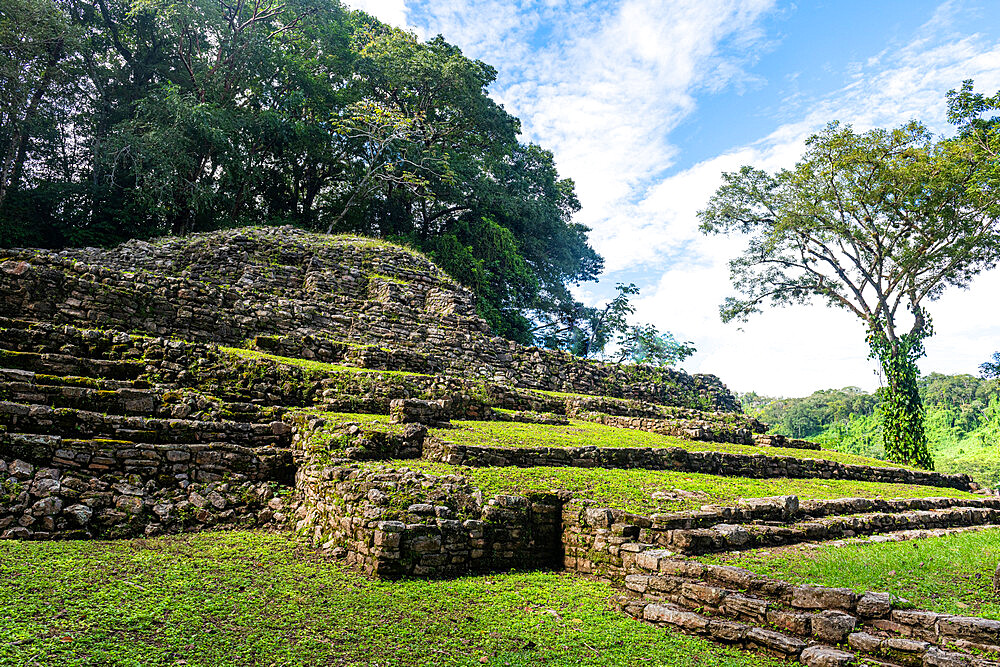 Archaeological Maya site of Yaxchilan in the jungle of Chiapas, Mexico, North America - 1184-5572