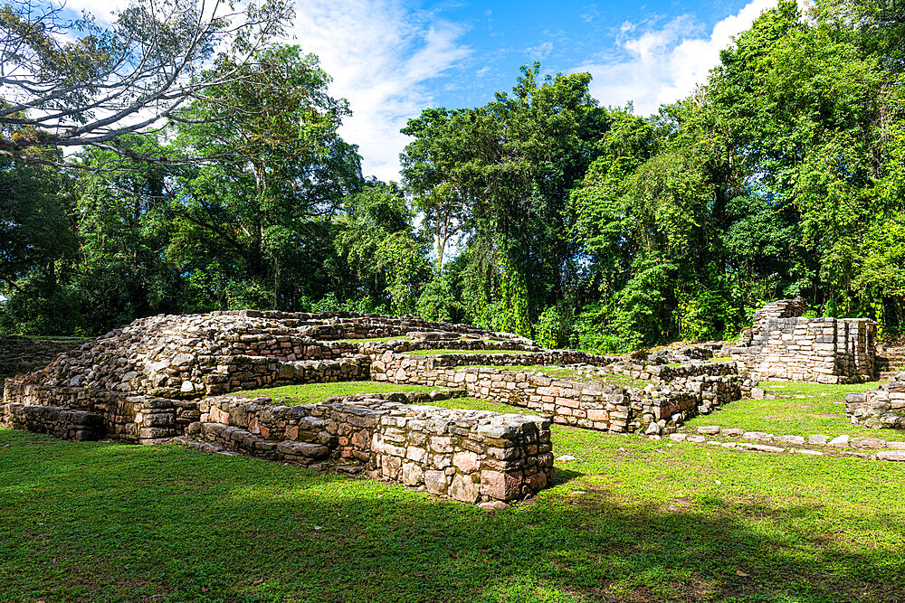 Archaeological Maya site of Yaxchilan in the jungle of Chiapas, Mexico, North America - 1184-5574