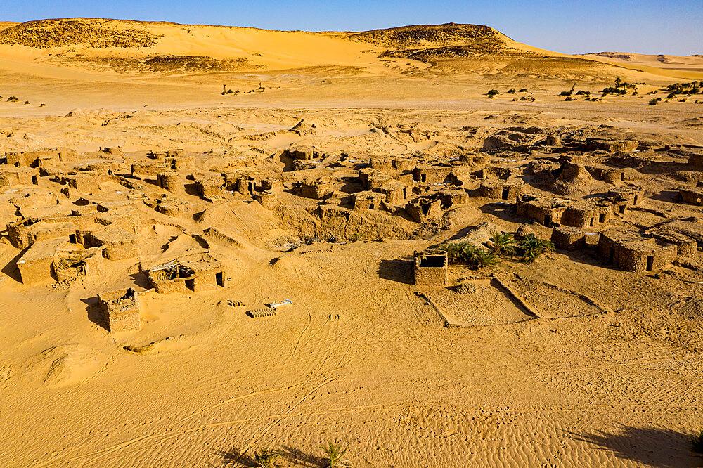 Aerials of the salt mines of Fachi, Tenere desert, Niger, West Africa, Africa - 1184-5598