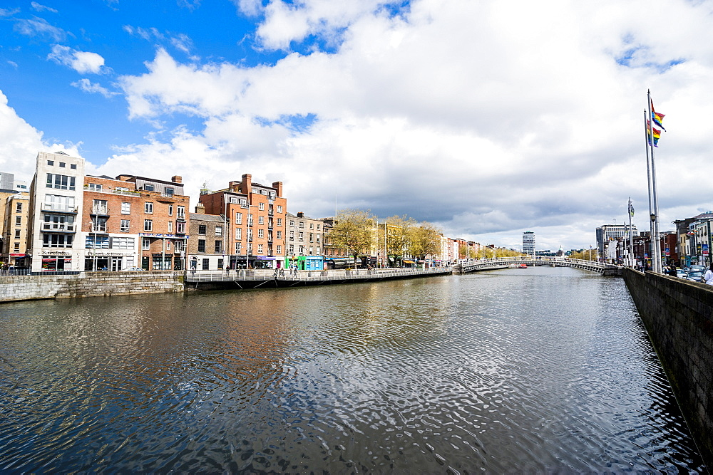 River Liffey flowing through Dublin, Republic of Ireland, Europe