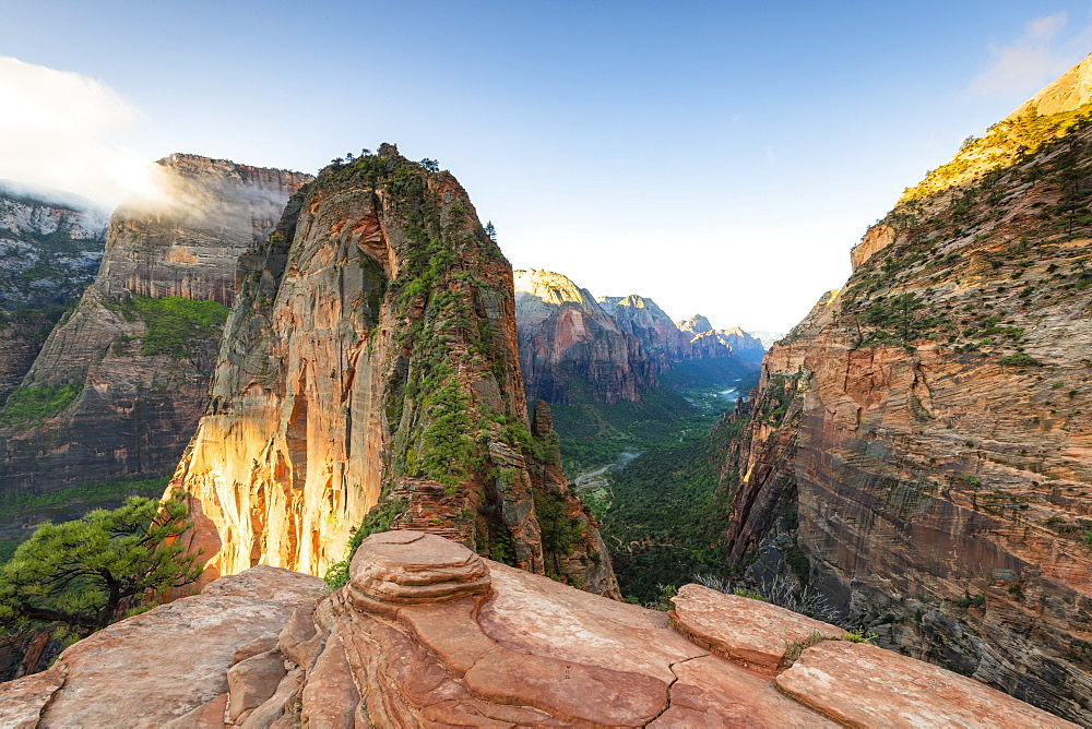 Angels Landing, Zion National Park, Utah, United States of America, North America