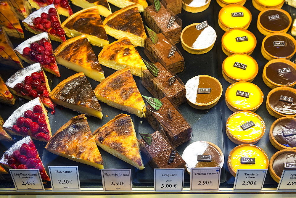Desserts, Aix en Provence, Bouches du Rhone, Provence, Provence-Alpes-Cote d'Azur, France, Europe