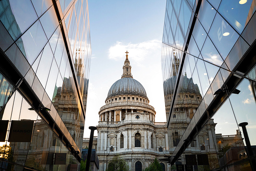 St Paul's Cathedral reflecting in the surrounding buildings - 1186-764