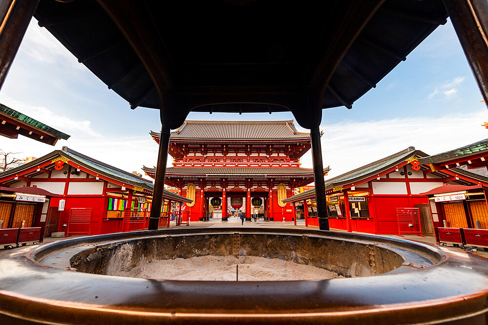 Sensoji Temple in Cherry blossom season - 1186-776