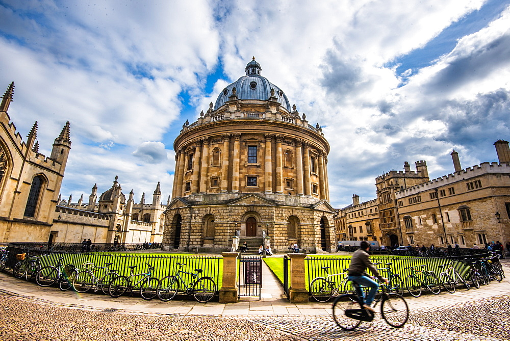 Radcliffe Camera with cyclist, Oxford, Oxfordshire, England, United Kingdom, Europe - 1199-436