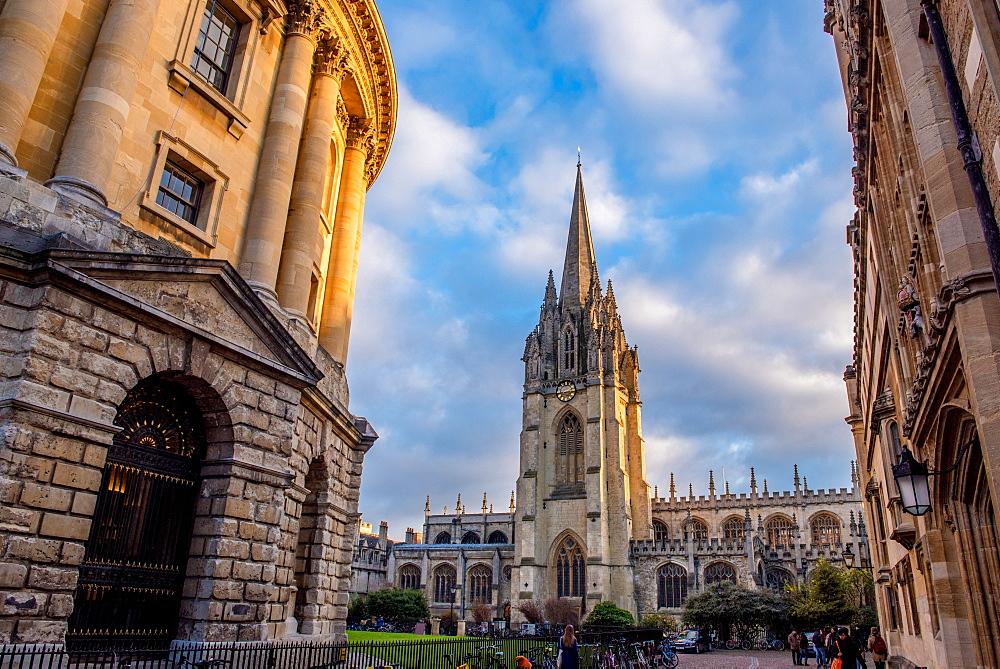 St. Mary's Church and The Radcliffe camera in Radcliffe Square in Oxford, Oxfordshire, England, United Kingdom, Europe - 1199-469