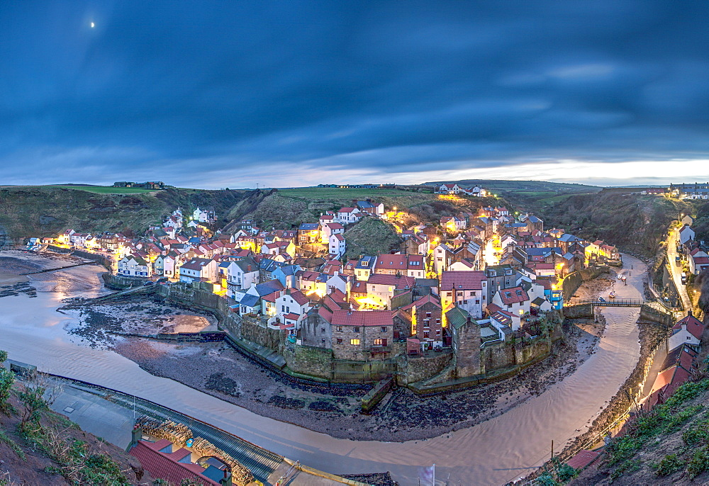 Staithes, Yorkshire, England, United Kingdom, Europe - 1199-587
