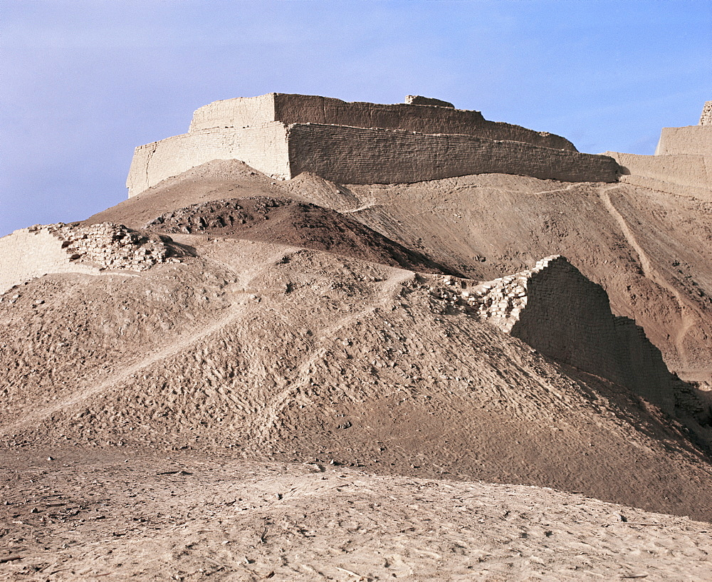 Chimu Fort, Paramonga, Peru, South America