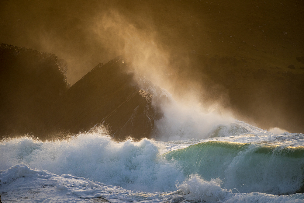 Waves crashing against rocks, Clogher Strand, Dingle Peninsula, County Kerry, Munster, Republic of Ireland, Europe