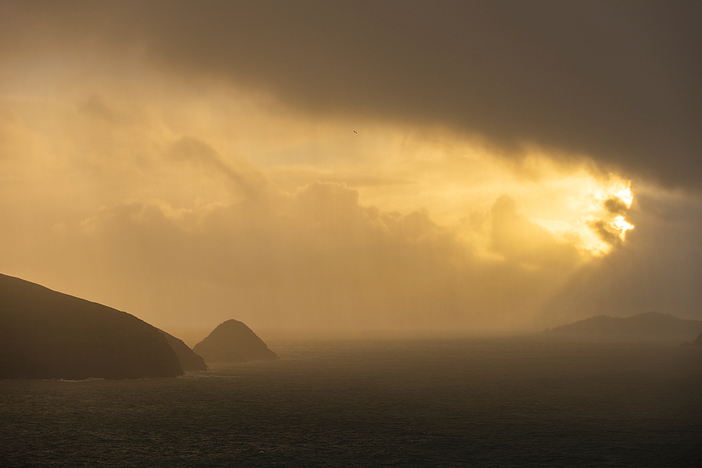 Sunrise over the Blasket Islands, Dingle Peninsula, County Kerry, Munster, Republic of Ireland, Europe