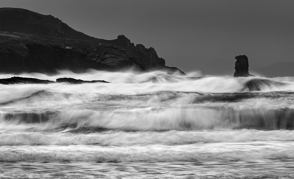 Waves and sea-stack, Kinard beach, Dingle Peninsula, County Kerry, Munster, Republic of Ireland, Europe