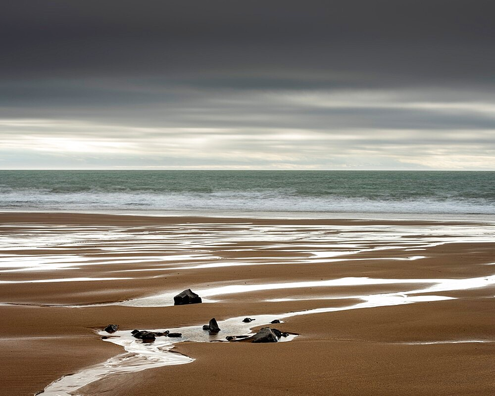 Mewslade Bay at low tide, Gower Peninsula, Swansea, Wales. - 1200-410
