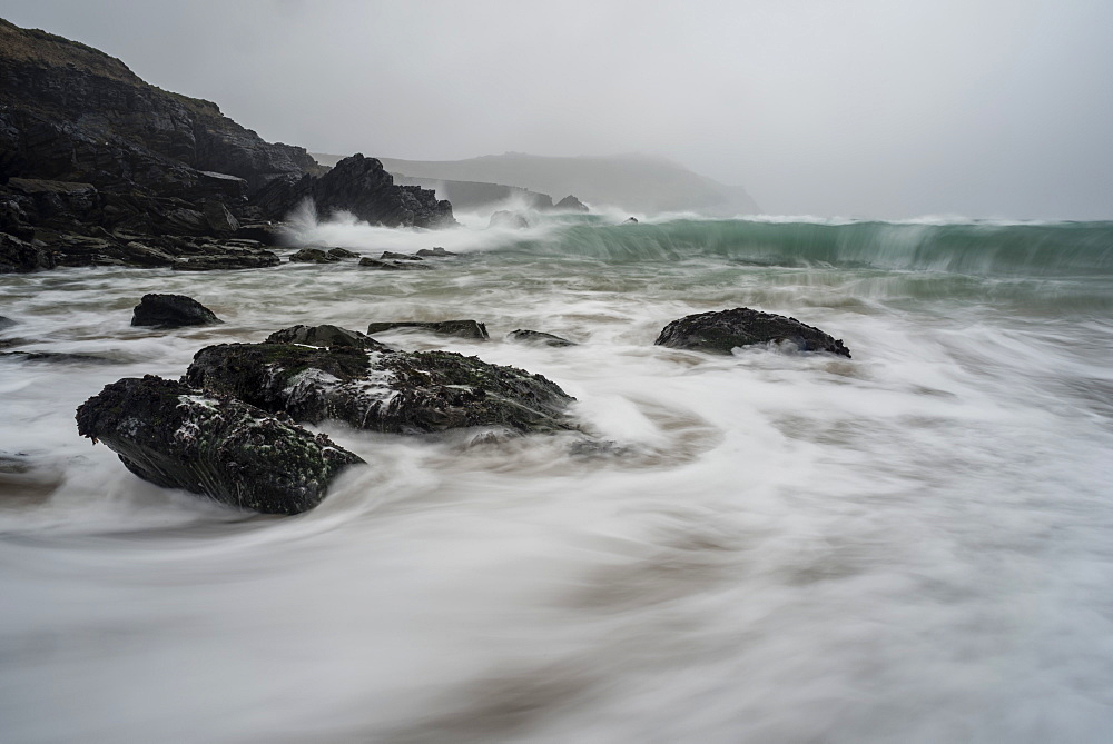 Incoming tide, Clogher Bay, Clogher, Dingle Peninsula, County Kerry, Munster, Republic of Ireland, Europe - 1200-66