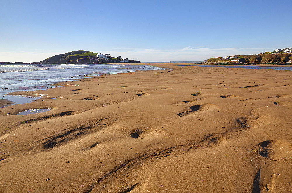 A low tide view of the sands at Bigbury-on-Sea, on Devon's south coast, with Burgh Island in the background, Devon, England, United Kingdom, Europe