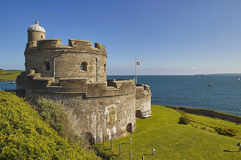The historic St Mawes Castle, built in the 16th century to defend the entrance to Falmouth harbour, St Mawes, southern Cornwall.