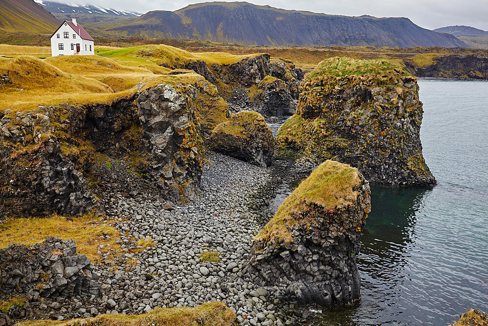 Basalt lava cliffs at Arnastapi, on the coast of the Snaefellsnes peninsula, west Iceland, Polar Regions - 1202-402