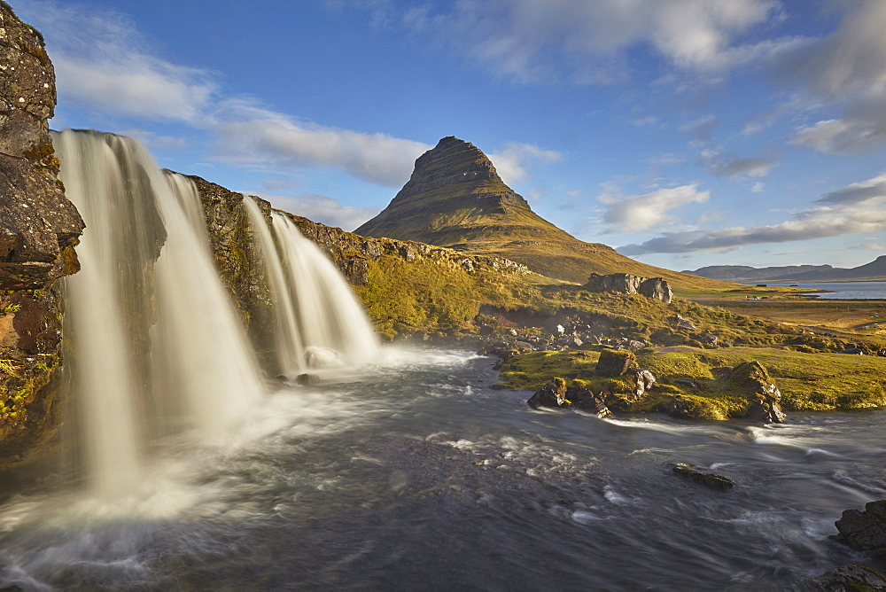 One of Iceland's iconic landscapes, Mount Kirkjufell and Kirkjufellsfoss Falls, near Grundarfjordur, Snaefellsnes peninsula, Iceland, Polar Regions - 1202-428