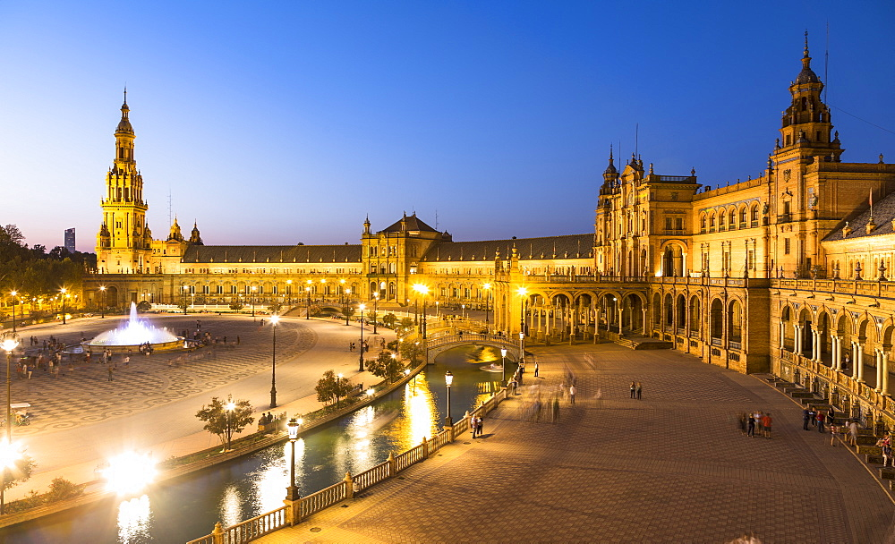 Plaza de Espana at night, built for the Ibero-American Exposition of 1929, Seville, Andalucia, Spain, Europe - 1207-225