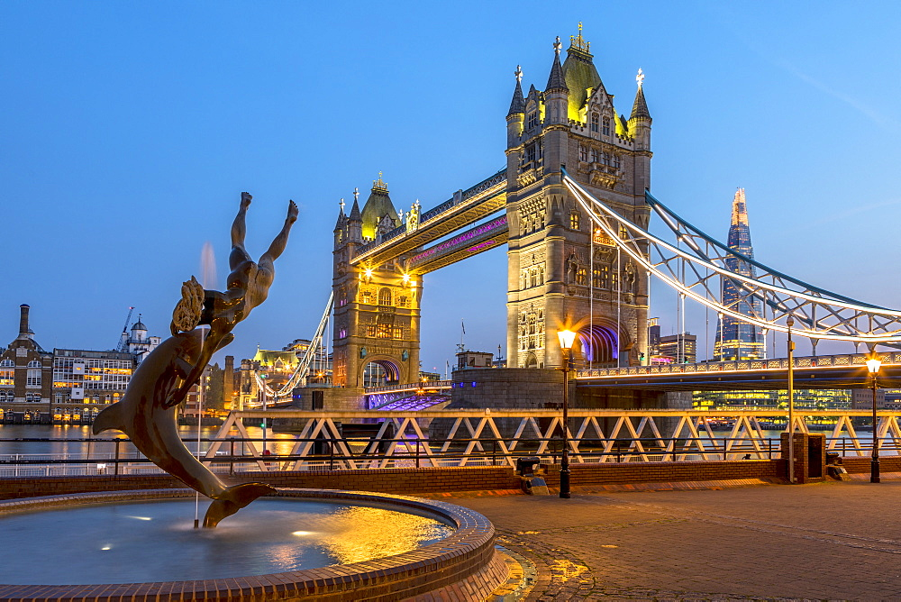 Tower Bridge in early evening light, London, England, United Kingdom, Europe - 1207-581