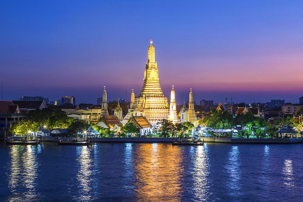 Wat Arun (Temple of Dawn), Bangkok, Thailand, Southeast Asia, Asia - 1207-685