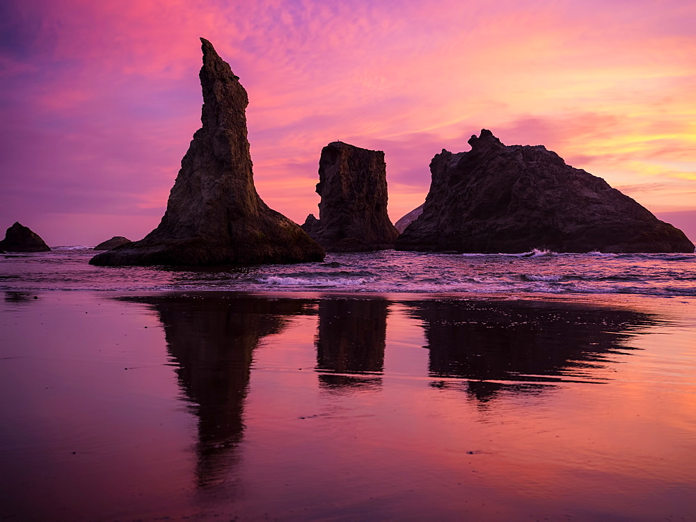 Sunset at The Wizard's Hat, Oregon, United States of America, North America - 1215-65