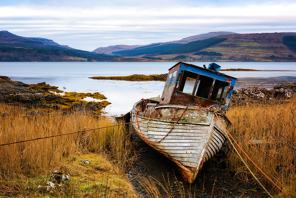 Boat wreck, Isle of Mull, Inner Hebrides, Scotland, United Kingdom, Europe