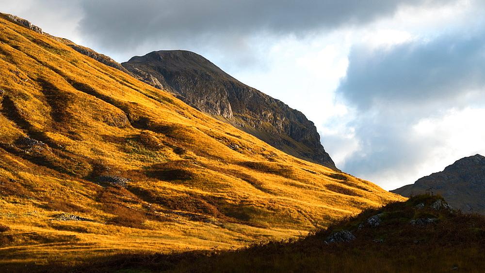 Mountain light, Glencoe, Highlands, Scotland, United Kingdom, Europe - 1216-117